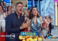«Vieni da me»: con una telefonata si aggiudica il montepremi di 10mila euro Ha indovinato di chi era la casa mostrata durante la trasmissione - CorriereTV