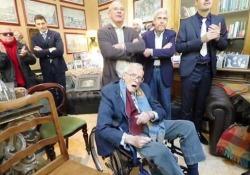 Zeffirelli, l'ultima volta che ha incontrato la stampa nella sua villa per la presentazione del «Rigoletto» È morto all'età di 96 anni, era malato da tempo - CorriereTV