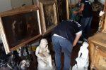 Ricettavano opere d'arte trafugate, due antiquari di Reggio ai domiciliari