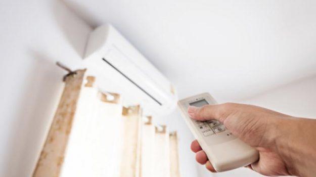 aria condizionata, caldo, danni mucosali, raffreddore, temperatura, Lino Di Rienzo Businco, Salute e Benessere