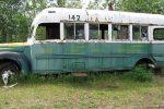 """Alaska, sposina muore per fotografare il bus """"Into the wild"""": spazzata via dal fiume"""