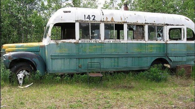 alaska, bus Into the wild, giovane sposina morta, John Krakauer, Ken Marsh, Piotr Markielau, Veramika Maikamava, Sicilia, Mondo