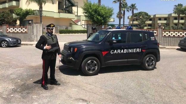 fermati due romeni, furto, mandatoriccio, rapina aggravata, smartphone rubati, Eugenio Facciolla, Cosenza, Calabria, Cronaca