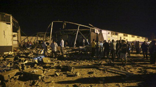 bombardamento, libia, migranti, Sicilia, Mondo