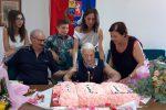 Limbadi festeggia nonna Concetta che soffia su 100 candeline