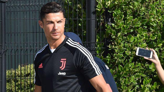 calcio, juventus, Cristiano Ronaldo, Gigi Buffon, Leonardo Bonucci, Maurizio Sarri, Sicilia, Sport
