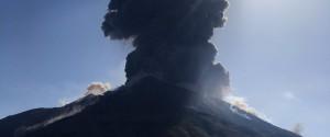 """Lo Stromboli erutta, l'esperto: """"Eventi come questi accadono 5 o 6 volte in un secolo"""""""