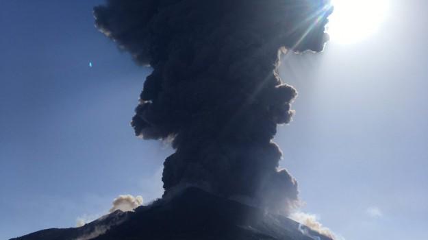 eruzione, esplosione Stromboli, ginostra, Messina, Sicilia, Cronaca