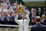 Djokovic vince ancora a Wimbledon, Federer battuto dopo cinque ore di battaglia