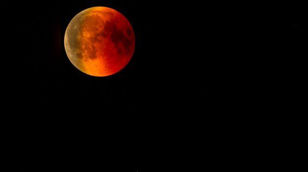 Apollo 11, astronomia, eclissi lunare, Sicilia, Società