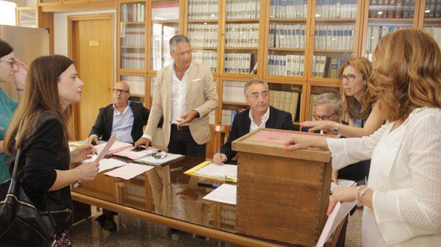 Ordine degli Avvocati, a Lamezia si rinnova il Consiglio: le foto delle votazioni
