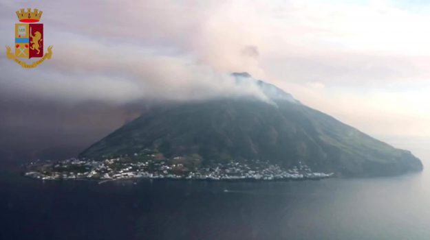 eruzione stromboli, isole eolie, Messina, Sicilia, Cronaca