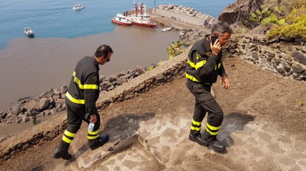 cenere vulcanica Ginostra, eruzione stromboli, Messina, Sicilia, Cronaca