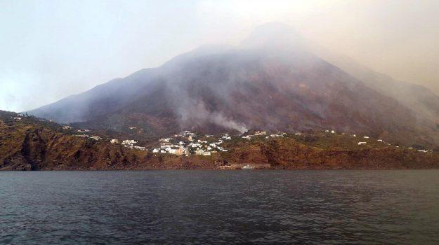 esplosioni stromboli, stromboli, turisti in mare, Massimo Imbesi, Messina, Sicilia, Cronaca
