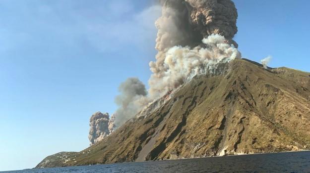 eruzione stromboli, ginostra, stromboli, Calogero Foti, Nello Musumeci, Messina, Sicilia, Cronaca