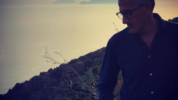 giallo giudiziario, La solitudine degli amanti, romanzo d'esordio, Fabio Mazzeo, Messina, Sicilia, Cultura