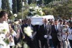 Morta dopo una rinoplastica, lo straziante addio di Lamezia a Mariachiara Mete - Foto