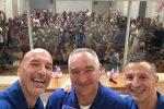 Missione Beyond, Luca Parmitano si prepara al lancio: sui social saluti e foto
