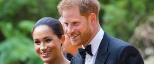 "Harry e Meghan: ""Via dalla famiglia reale"". Ma Buckingham Palace frena: ""Questione complicata"""