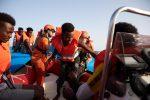 Migranti, mini sbarchi a Lampedusa: una trentina approdati in poche ore