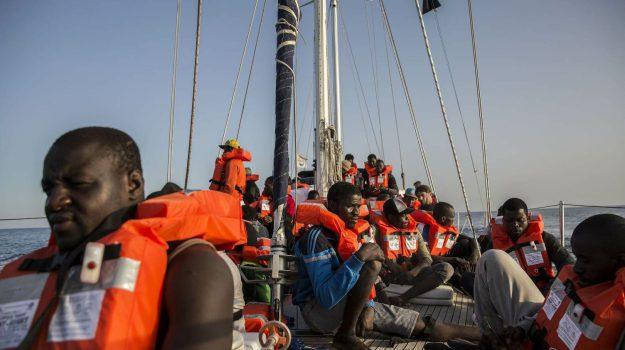 mediterranea, Nave Alex, sbarco migranti, Sicilia, Cronaca