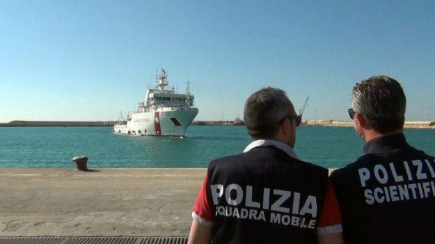 augusta, migranti, Danilo Toninelli, Sicilia, Cronaca