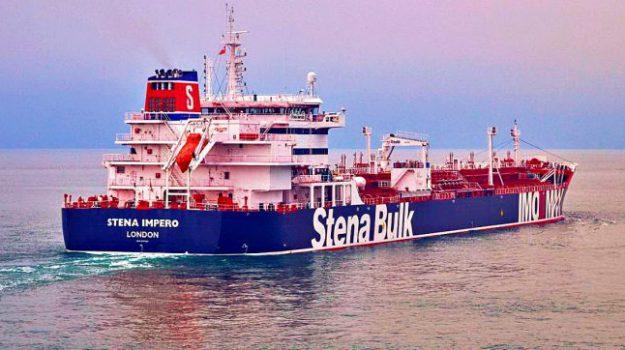 difesa delle navi, guerra delle spie, iran, missione Ue, petroliere, Stretto di Hormuz, Donald Trump, Jeremy Hunt, Mike Pompeo, Theresa May, Sicilia, Mondo