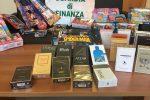 Lamezia, profumi contraffatti e giocattoli pericolosi sequestrati in un negozio cinese