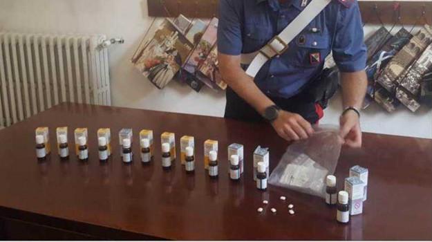 allaccio abusivo, restauratore Cosenza, sostanze stupefacenti, spaccio di metadone, Cosenza, Calabria, Cronaca