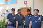 Tartaruga in strada a Crotone, salvata dagli agenti di polizia