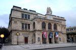 Il Teatro Vittorio Emanuele di Messina: due secoli di storia dai Borbone a Grease