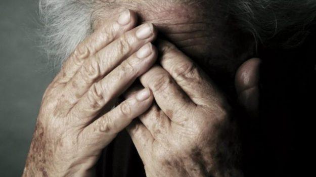 arrestata badante ad Alcamo, maltrattamenti su un'anziana, Sicilia, Cronaca