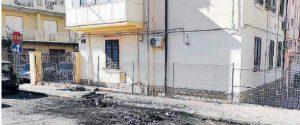 Notte di fuoco a Melito, incendiata l'auto di un medico