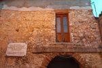Stilo, abbattuto il balcone abusivo della casa del filosofo Campanella