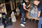 Reggio, quadri e opere d'arte antichi rubati e rivenduti all'estero: 5 arresti