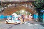 Crollo di calcinacci dal viadotto, paura e traffico bloccato a Taormina