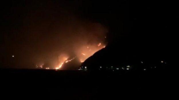 incendio, stromboli, Messina, Sicilia, Cronaca