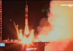 Luca Parmitano nello spazio: il momento del lancio della Soyuz verso la ISS Il decollo della navicella Soyuz Ms-13 dalla base di Baikonur in Kazakistan alle 18:28 - Corriere Tv