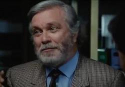 Luciano De Crescenzo: «Così parlò Bellavista», la scena dell'espresso completo - video Luciano De Crescenzo nella parte di autore, attore e regista del famoso film del 1984 - Corriere Tv