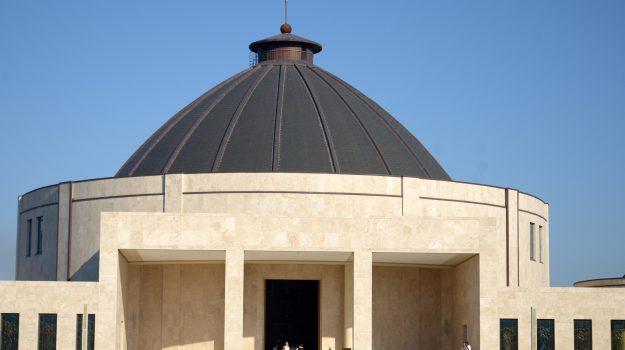 chiesa, natuzza evolo, Catanzaro, Calabria, Cronaca