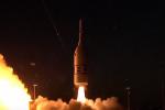 Test riuscito per la navetta che riporterà l'uomo sulla Luna nel 2024: il video del lancio