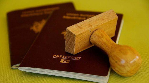 aeroporto lamezia, passaporto falso, Catanzaro, Calabria, Cronaca