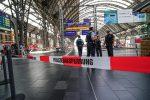 Francoforte, bimbo di 8 anni spinto sui binari muore travolto dal treno