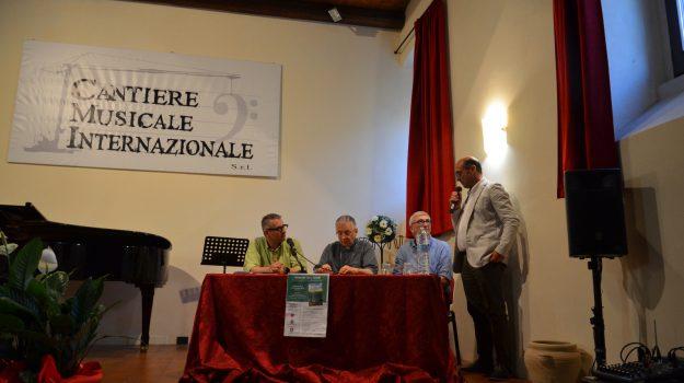 libro, mileto, vescovo, Catanzaro, Calabria, Cultura
