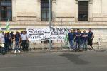 La protesta dei dipendenti del gruppo Papino a Messina