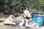 Taormina e Castelmola, contrade invase dai rifiuti: adesso scattano le denunce