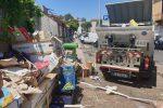 Rifiuti e sporcizia, i mercati Vascone e Sant'Orsola di Messina chiudono per la sanificazione - Foto
