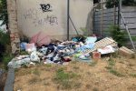 Cosenza, viale Mancini assediata dalla spazzatura - Foto