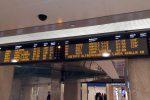 Sabotaggio sulla linea Roma-Firenze, treni in tilt e Italia divisa in due: si segue la pista anarchica