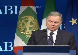 Visco: «Bene il calo dello spread: strategia di lungo periodo» Il Governatore della Banca d'Italia intervenendo all'Assemblea dell'Abi - Ansa